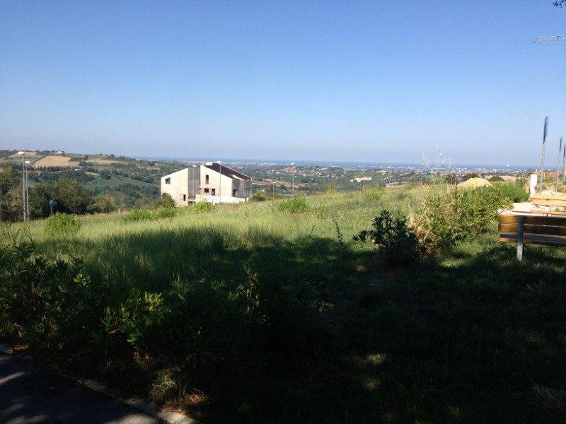 Montescudo lotto di terreno a Rimini in Vendita