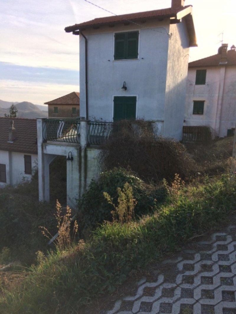 Serra Riccò casa indipendente a Genova in Vendita