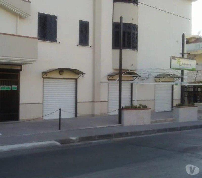 Angri appartamento per uso ufficio a Salerno in Affitto