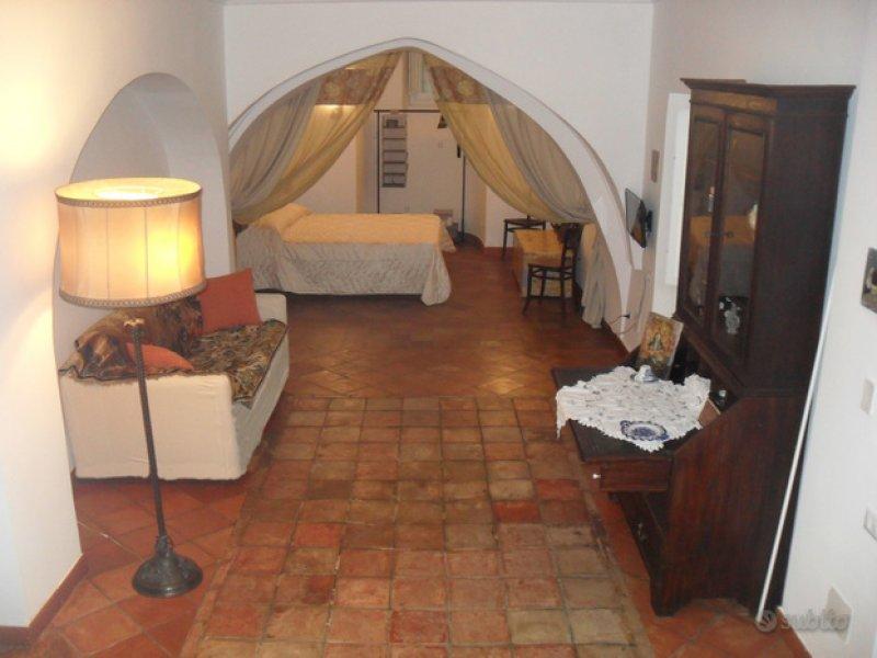 Salerno appartamento nel cuore del centro storico a Salerno in Affitto