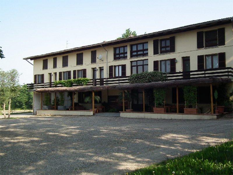 Cargandino Mezzomerico azienda agrituristica a Novara in Vendita