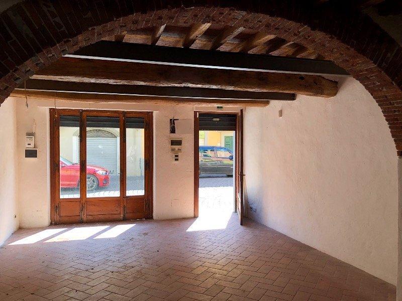 Lucca fondo commerciale in borgo Giannotti a Lucca in Affitto