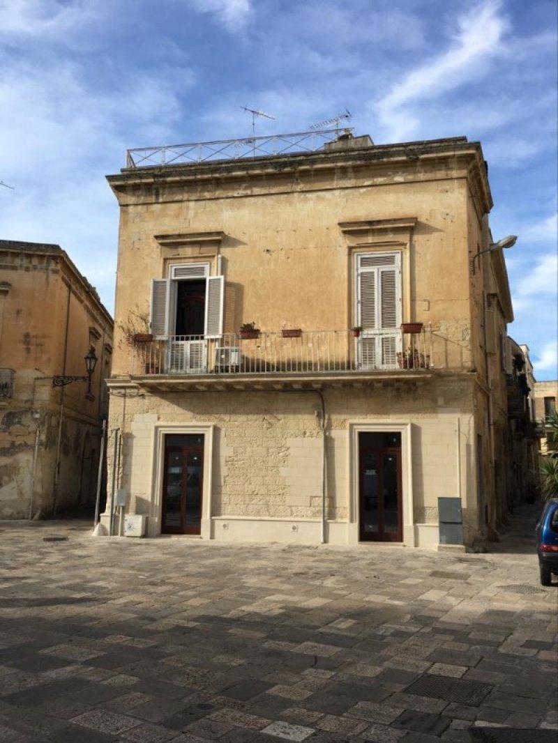 Lecce zona Santa Croce locale commerciale a Lecce in Affitto