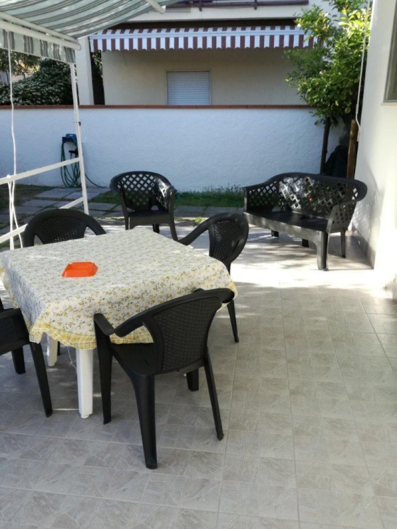 Terracina villetta con giardino a Latina in Vendita