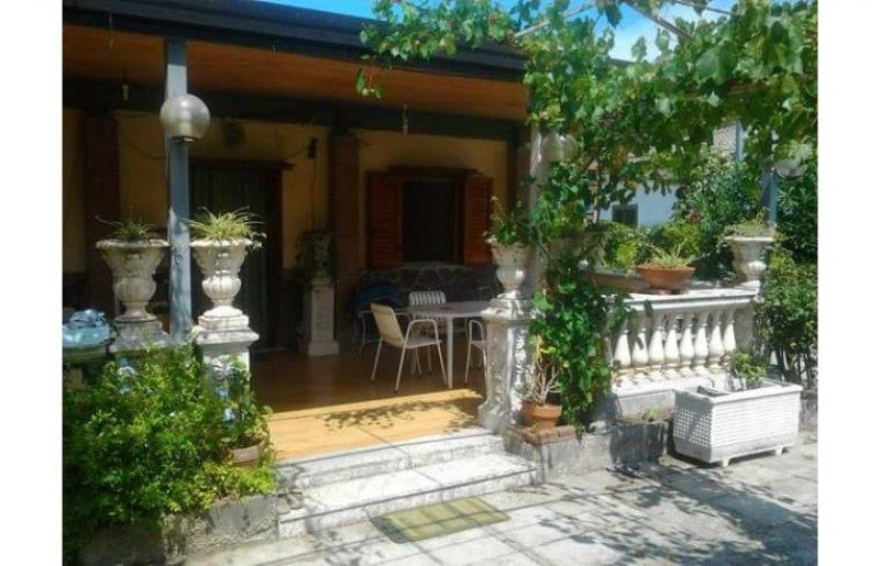 Battipaglia villa per vacanze estive a Salerno in Vendita