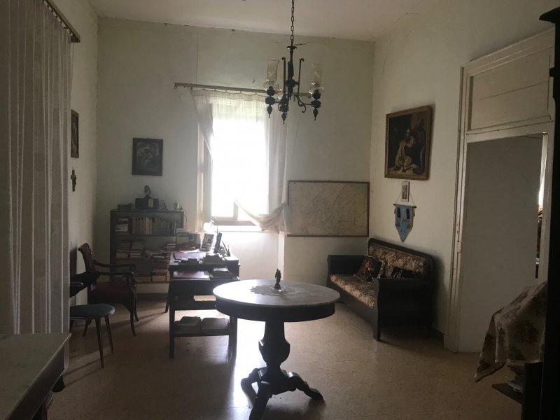 Casa nel centro storico di Civitacampomarano a Campobasso in Vendita