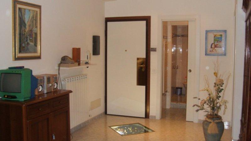 Alassio luminoso appartamento a Savona in Affitto