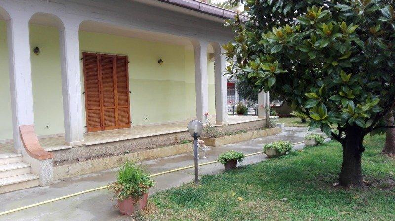 Martinsicuro villa bifamiliare a Teramo in Affitto