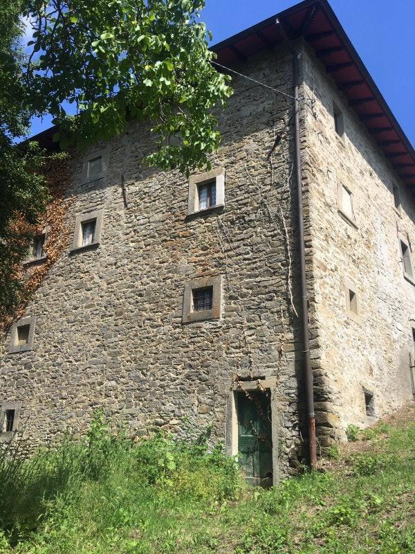 Firenzuola casa in pietra a Firenze in Vendita