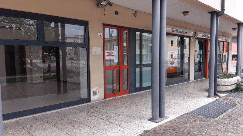 Vedelago locale commerciale a Treviso in Vendita