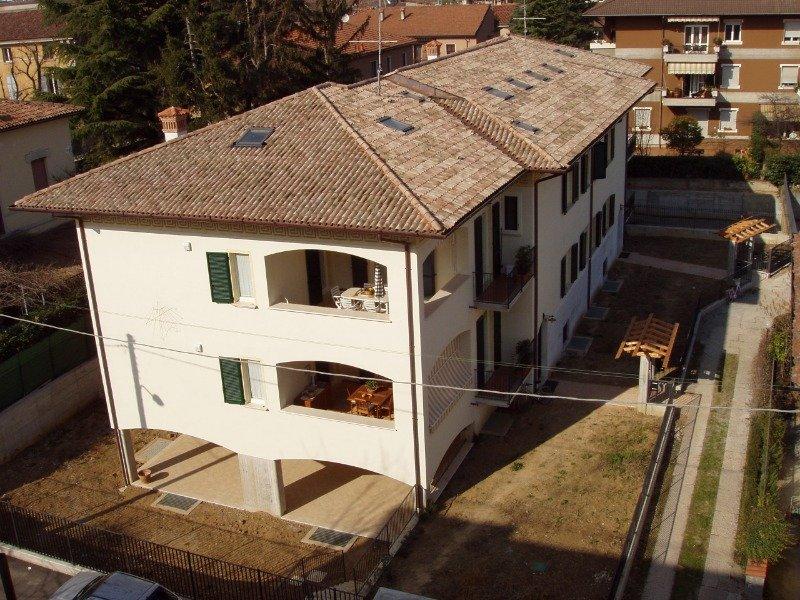 Brescia a studentesse mansarda a Brescia in Affitto