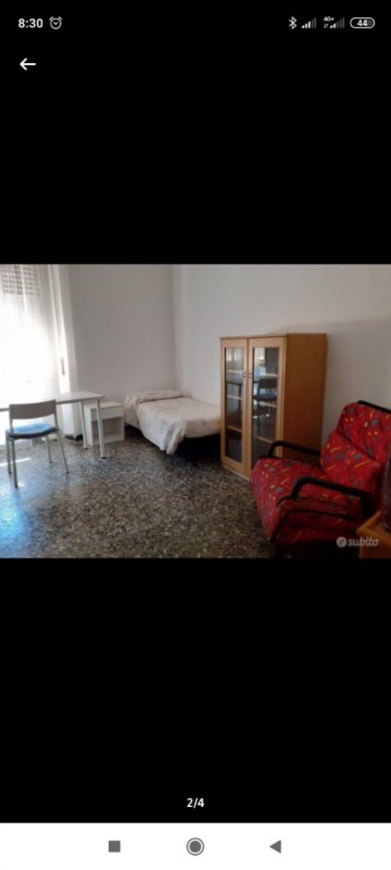 Cagliari ampia stanza in San Benedetto a Cagliari in Affitto