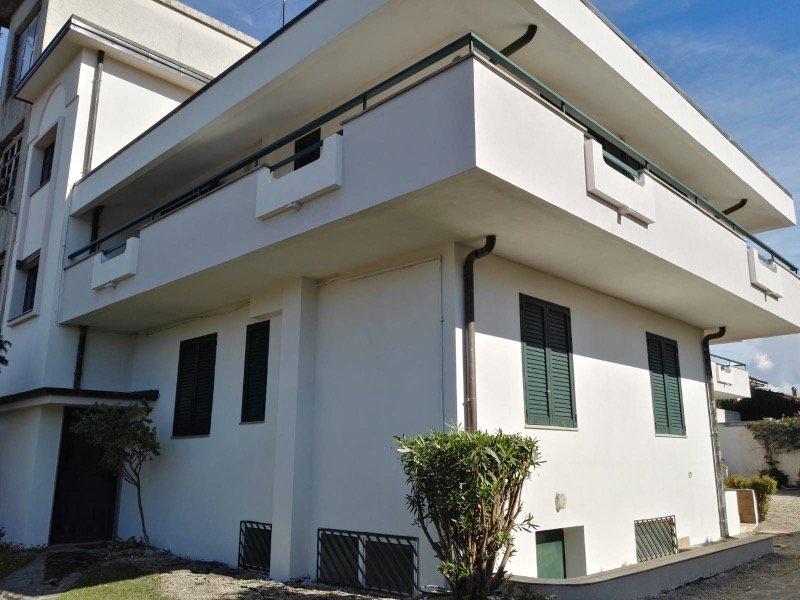 Taurianova villa bifamiliare a Reggio di Calabria in Vendita