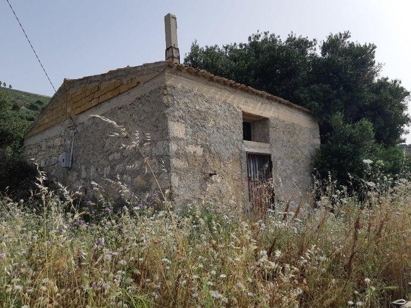 Caltabellotta terreno agricolo a Agrigento in Vendita