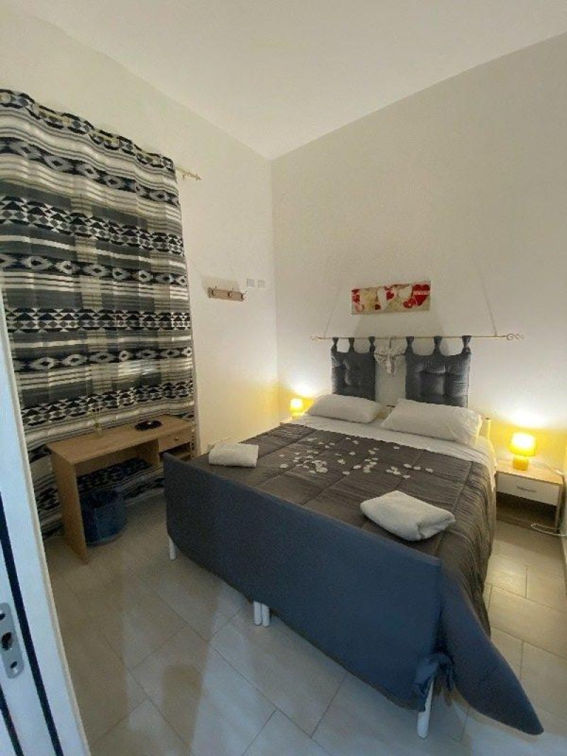 Palermo stanze matrimoniali con bagno privato a Palermo in Affitto