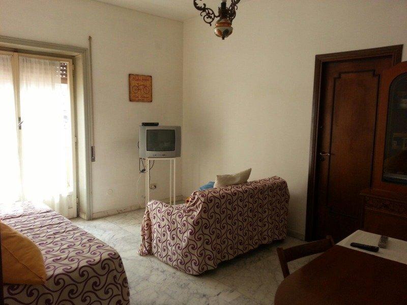 Roma stanza singola in ampio e luminoso attico a Roma in Affitto