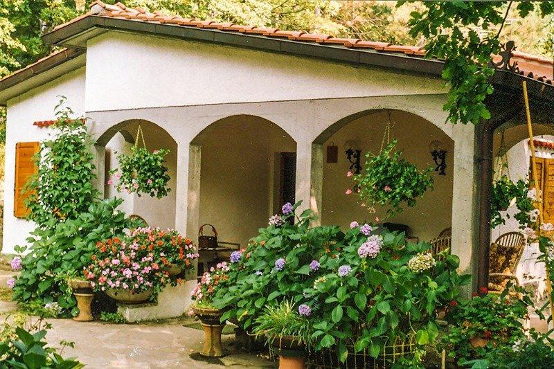 Pistoia villa a Pistoia in Vendita