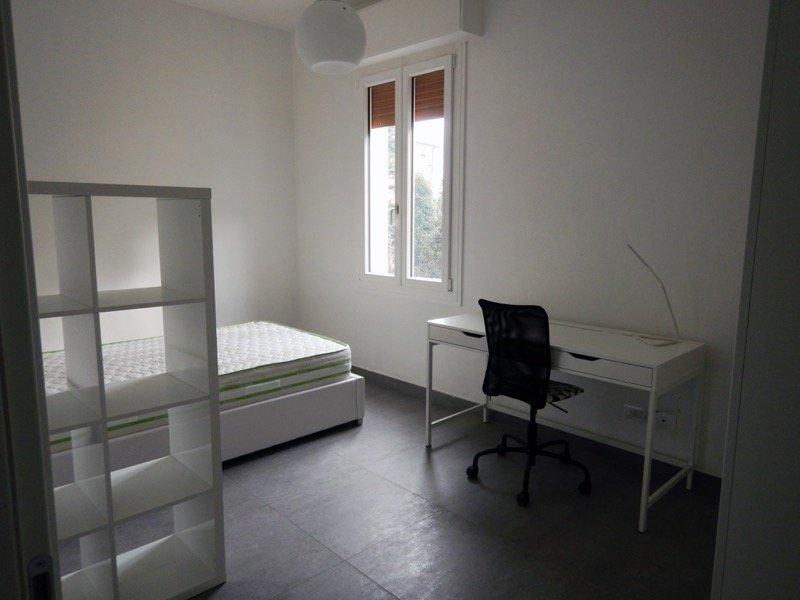 Modena ampio luminoso appartamento in centro a Modena in Affitto