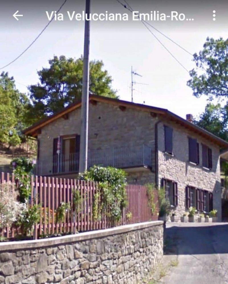 Carpineti casa in sassi ristrutturata a Reggio nell'Emilia in Vendita