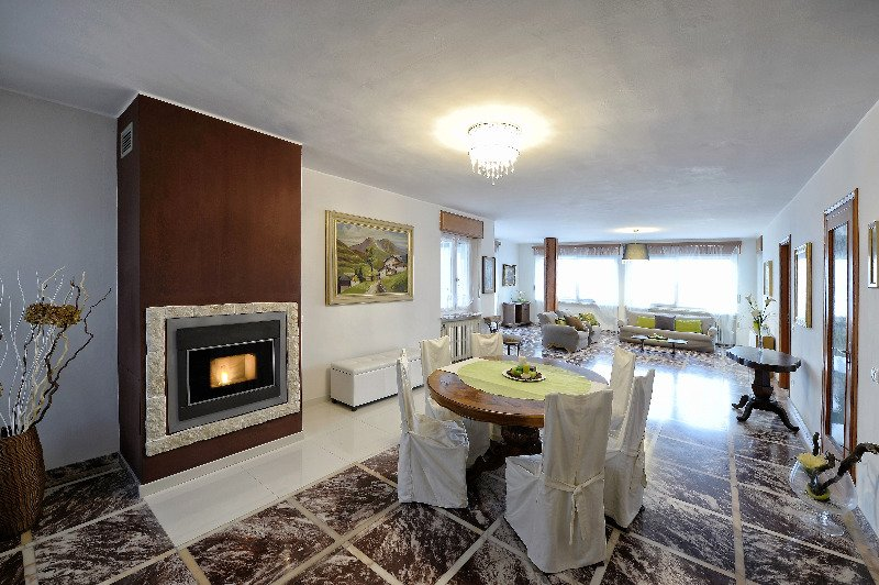 Valgioie villa immersa nel verde a Torino in Vendita