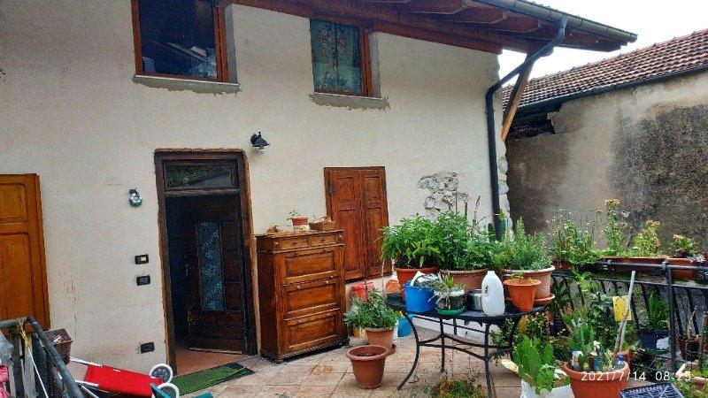 Mezzolombardo casa rustica a Trento in Vendita