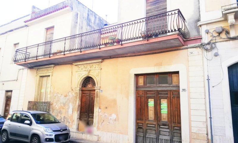 centro storico di Avola palazzina a Siracusa in Vendita