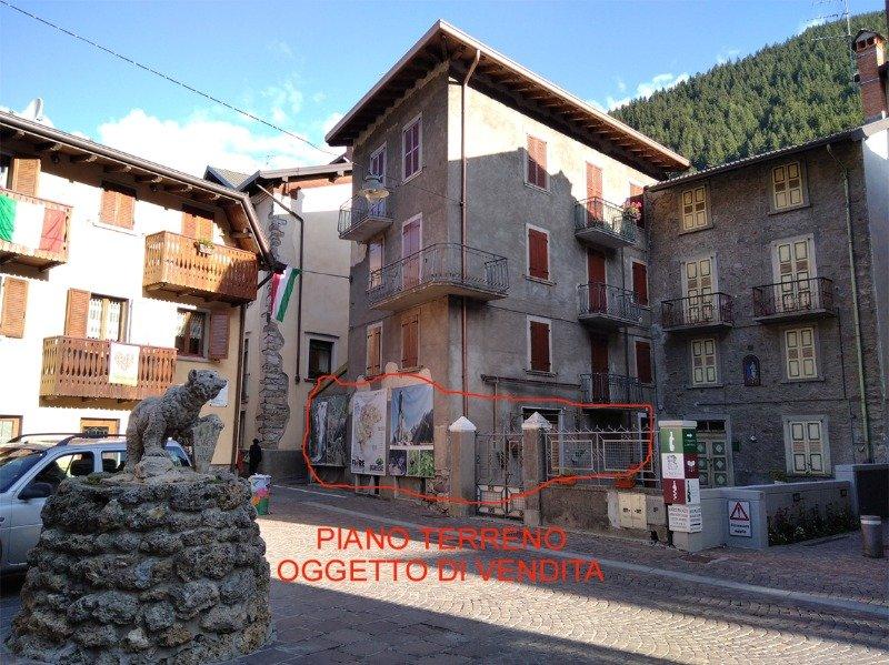 Schilpario immobile in centro storico a Bergamo in Vendita