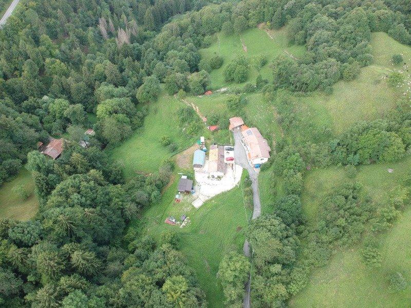 Capovalle ampia proprietà indipendente a Brescia in Vendita