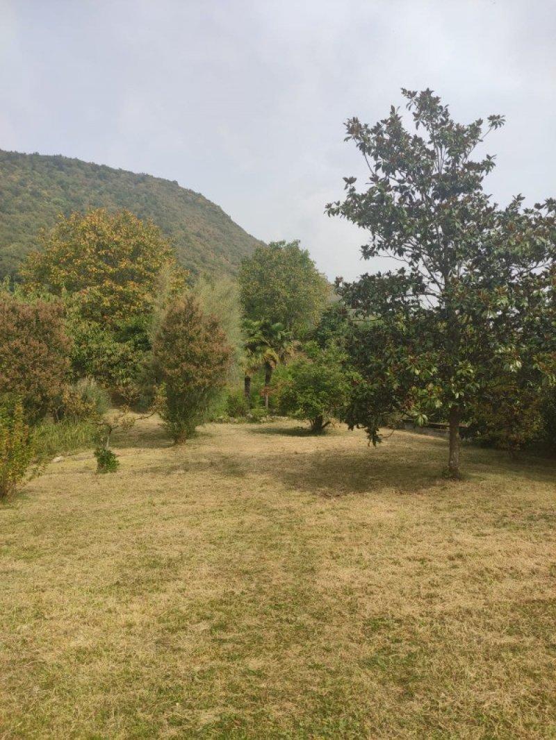 Preseglie terreno per villa singola a Brescia in Vendita
