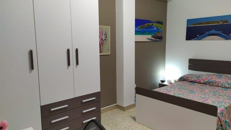 camera singola ampia zona policlinico di Catania a Catania in Affitto