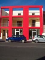 Annuncio affitto Locale commerciale con due vetrine su strada