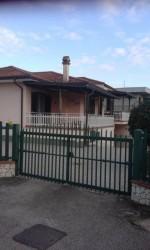 Annuncio vendita Cisterna di Latina villa con giardino