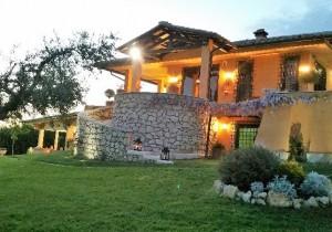 Annuncio vendita Sant'Angelo Romano villa