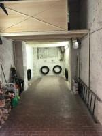 Annuncio vendita Napoli box soppalcato munito di serranda elettrica