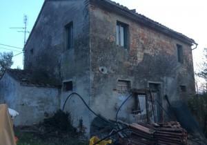 Annuncio vendita Belvedere Ostrense casa colonica
