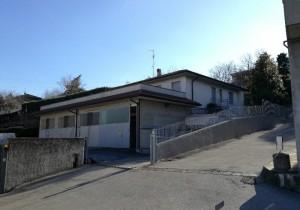Annuncio vendita Galbiate capannone più appartamento