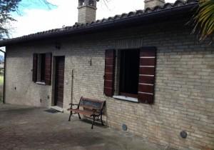 Annuncio vendita Urbino villetta con terreno