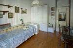 Annuncio affitto Firenze a ragazza camera singola luminosa arredata