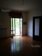 Annuncio vendita Piacenza luminoso appartamento sito in via Appiani