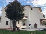 Annuncio vendita Prato villetta con giardino
