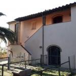 Annuncio vendita Riparbella due appartamenti con giardino privato