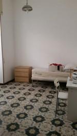 Annuncio affitto Napoli appartamento solo studenti o studentesse