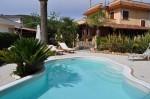 Annuncio vendita Santi Cosma e Damiano villa con giardino