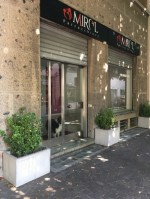 Annuncio affitto Seveso negozio con 2 vetrine