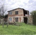 Annuncio vendita Pola terreno edificabile con annesse costruzioni