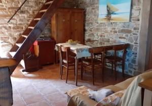 Annuncio vendita Valmozzola casale in sasso