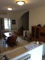 Annuncio vendita Roma appartamento nel piano rialzato di un villino
