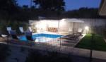 Annuncio vendita Colonnella villa recente con giardino e piscina