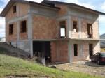 Annuncio vendita Tito palazzo immerso nella natura