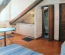 Annuncio affitto Torino monolocale mansardato in stabile d'epoca